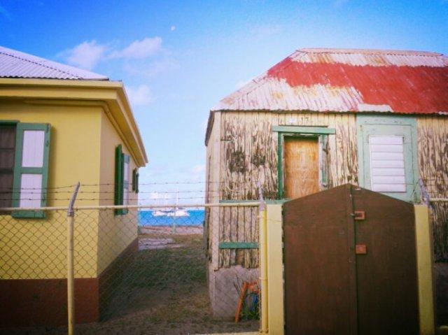 Creole house beach front / Case créole vue mer